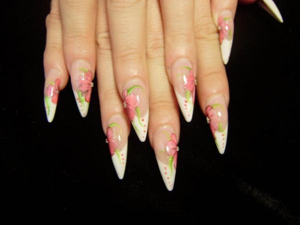 Рисунки на нарощенных ногтях фото френч